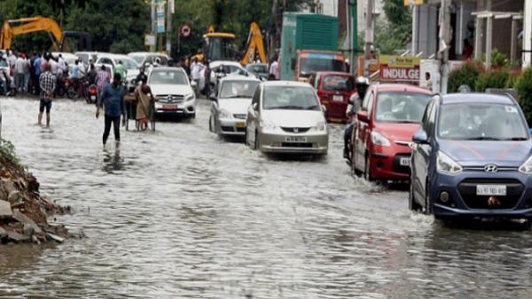 यह पढ़ें: झमाझम बारिश में नहाया बेंगलुरू, 9 राज्यों में भारी बारिश का अलर्ट, Weather Updates