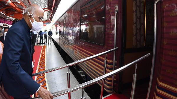 राष्ट्रपति राम नाथ कोविंद ने Maharaja Express Train से किया सफर, विजिटर बुक में लिखा ये खास संदेश