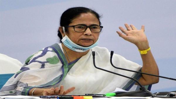 ये भी पढ़ें: बंगाल चुनावों में नंदीग्राम सीट पर सुवेंदु अधिकारी की जीत को चुनौती देने हाई कोर्ट पहुंचीं ममता बनर्जी
