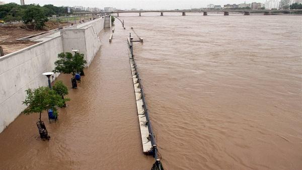 अहमदाबाद की साबरमती नदी और दो झीलों में मिला कोरोना वायरस, शोधकर्ता बोले- ये बहुत खतरनाक है