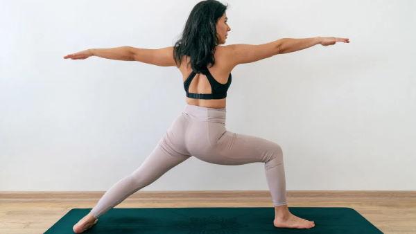 International Yoga Day: मोटापा कम करने के लिए करें ये खास योगासन