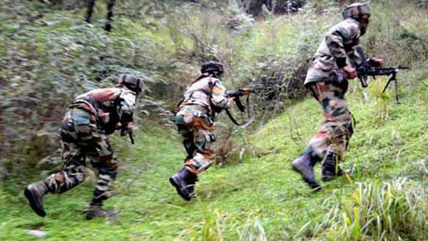 जम्मू-कश्मीर: पुलवामा में आतंकवादियों ने पुलिस टीम पर किया ग्रेनेड अटैक, 7 जख्मी