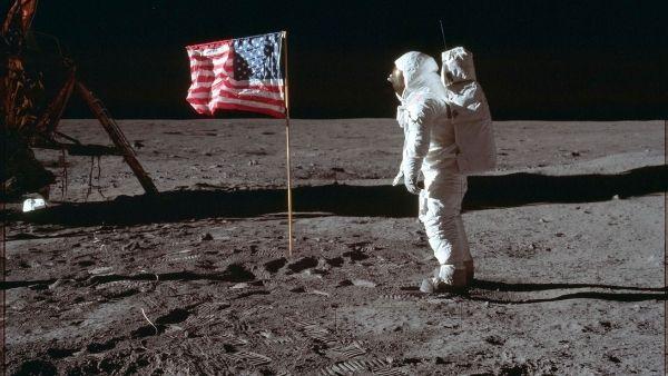 चांद पर तबाही मचाने की इंसानों की तैयारी, चंद्रमा की कक्षा में विध्वंसक हथियारों की होगी तैनाती
