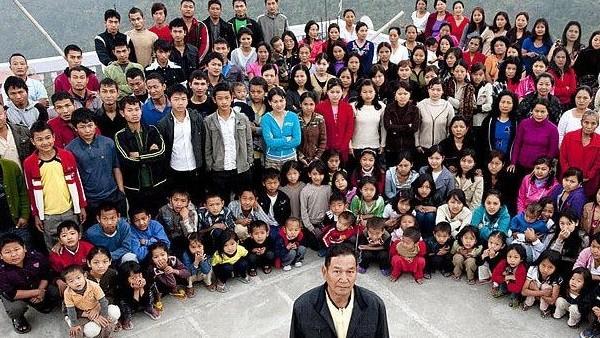 दुनिया के सबसे बड़े परिवार का मुखिया 'मरकर हुआ जिंदा', जियोन-ए की हैं 39 पत्नियां और 90 से अधिक बच्चे