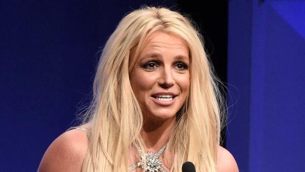 ब्रिटनी स्पीयर्स पिता जेमी से केस हारीं, कोर्ट में रोते हुए मांगी थी डेड से आजादी