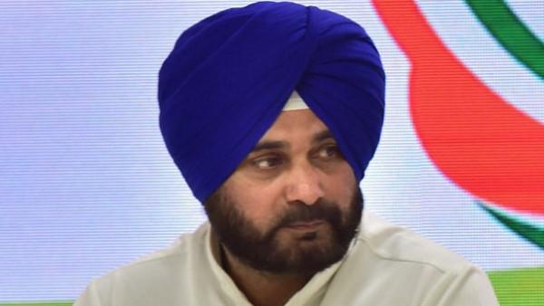 'जिंदगी पार्टी को दे दी लेकिन...' पंजाब में कांग्रेस कार्यकर्ता ने की खुदकुशी, सिद्धू के नाम छोड़ा ऑडियो टेप