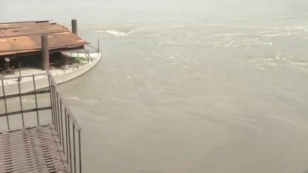 इसे भी पढ़ें-दिल्ली में खतरे के निशान के ऊपर बह रही यमुना, लोहे का पुल बंद , Alert जारी