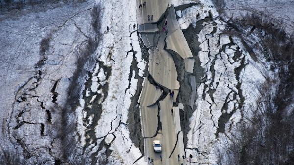 इसे भी पढ़ें-8.2 तीव्रता वाले भूकंप से थर्राया अलास्का, सामने आए भीषण तबाही के शॉकिंग Videos और फोटो