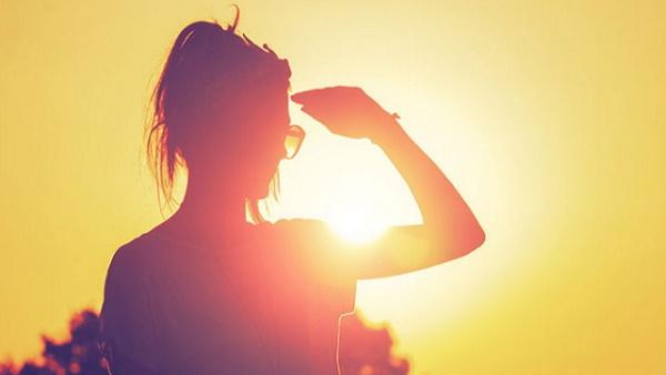 भीषण गर्मी का कहर: धूप में सो गई महिला, 3 घंटे बाद आंख खुली तो पीठ से अलग हो चुकी थी स्किन!