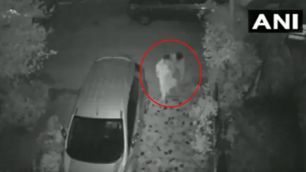 Shocking : दिल्ली के पॉश इलाके में बुजुर्ग महिला से लूट, घटना CCTV में कैद