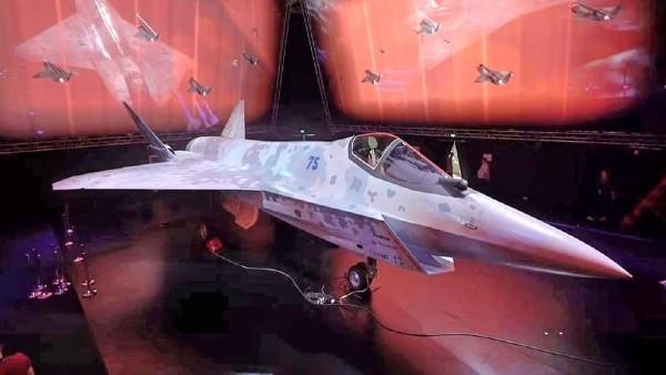 VIDEO: भारत के करीबी दोस्त ने बना डाला 5वीं पीढ़ी का लड़ाकू विमान, 1900 KM प्रति घंटे है रफ्तार