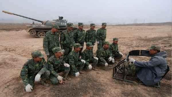 इसे भी पढ़ें- LAC: तिब्बती परिवारों के लिए चीन की सेना का फरमान, PLA को हर घर से चाहिए एक जवान