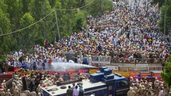 पंजाब: CM के घर के बाहर प्रदर्शन करने वाले 200 लोगों के खिलाफ FIR, 23 AAP नेताओं का भी नाम शामिल