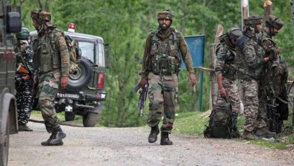 जम्मू कश्मीर: सांबा जिले में बॉर्डर के पास सेना की वर्दी में दिखे 4 संदिग्ध, तलाश जारी