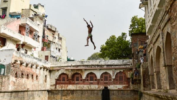 यह पढ़ें:Delhi Weather: दिल्ली में हल्की बारिश के आसार लेकिन चढ़ेगा पारा, जानिए IMD का ये अपडेट