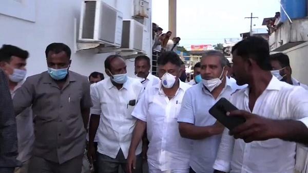इसे भी पढ़े- कर्नाटक कांग्रेस के अध्यक्ष डीके शिवकुमार ने पार्टी कार्यकर्ता को जड़ा थप्पड़, वीडियो हुआ वायरल