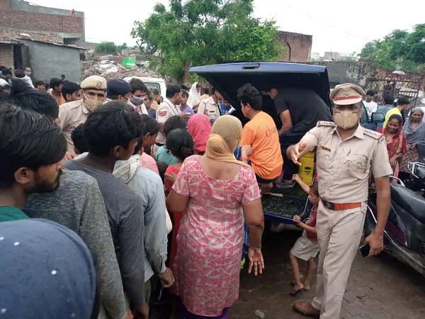 इसे भी पढ़ें- फरीदाबाद पुलिस की छापेमारी, होटल में अश्लील हरकतें करते पकड़े दिल्ली-नोएडा के 44 युवक-युवतियां