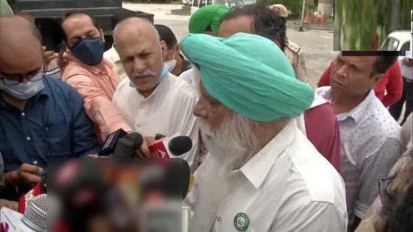 हरियाणा से दिल्ली पहुंचे भाकियू नेता गुरनाम चढ़ूनी, 200 प्रदर्शनकारियों के साथ संसद कूच को तैयार