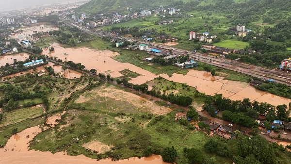 यह पढ़ें:Maharashtra Floods Live: रत्नागिरी-रायगढ़ में बचाव के लिए उतरी नेवी, लोगों को किया जा रहा एयरलिफ्ट