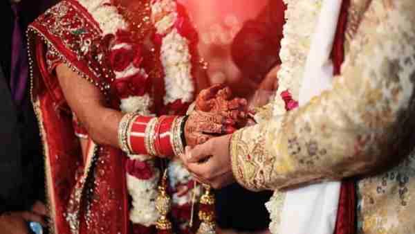 फर्रुखाबाद की पूजा बनी अंकित, फिर की गोरखपुर की लड़की से शादी...अब थाने पहुंचा मामला