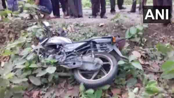इसे भी पढ़ें- Tiger Attacked In Pilibhit: टाइगर रिजर्व से गुजर रहे दो दोस्तों को बाघ ने मार डाला, तीसरे ने ऐसे बचाई जान