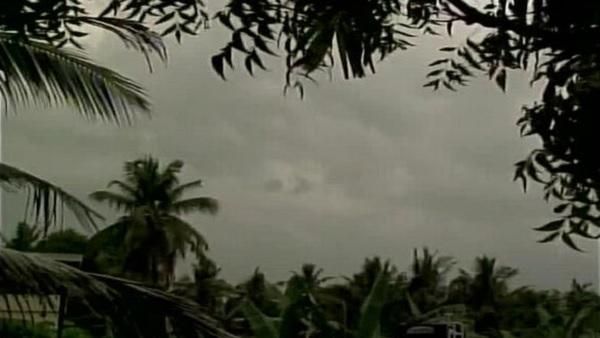Weather Updates: दिल्ली-NCR में आज भी बरसेंगे बादल, देश के कई राज्यों में भारी बारिश का अलर्ट