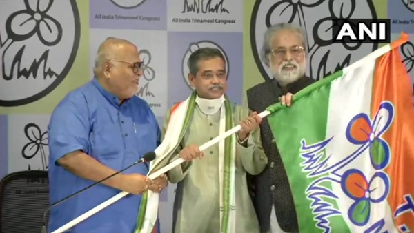 इसे भी पढ़ें- प्रणब मुखर्जी के बेटे अभिजीत TMC में हुए शामिल, कहा- ममता बनर्जी ने BJP की सांप्रदायिक लहर को रोका है
