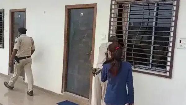 एसपी से घर जाने के लिए मांगी छुट्टी, कानपुर के होटल में महिला सिपाही संग पकड़े गए सीओ