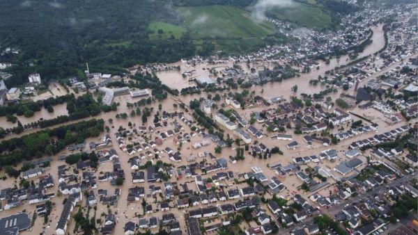 यूरोपीय देशों में बाढ़ से बर्बादी ही बर्बादी, जर्मनी समेत आधा दर्जन देशों में महा-सैलाब बरपा रहा है कहर