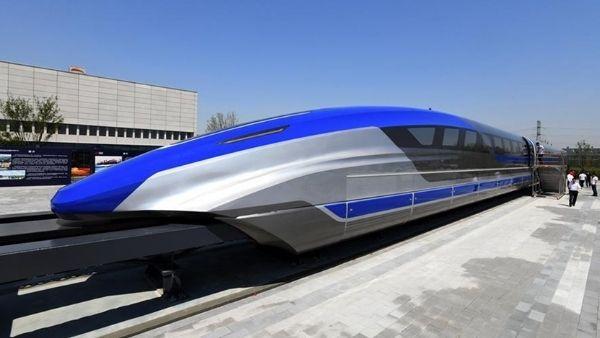 चीन ने लॉन्च की पटरी पर तैरने वाली दुनिया की सबसे सुपरफास्ट अद्भुत ट्रेन, हेलीकॉप्टर से तेज है रफ्तार