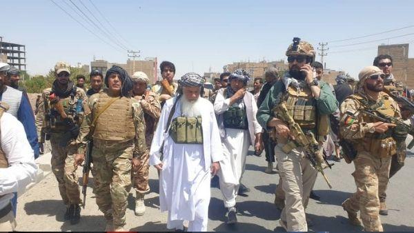 कौन हैं 70 साल के बूढ़े अफगान सरदार, जिन्होंने खाई तालिबान से एक-एक इंच जगह छीनने की कसम