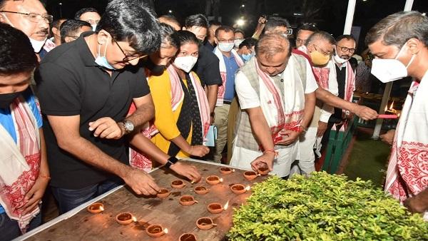 इसे भी पढ़ें- लवलीना बोरगोहेन का मैच देखने के लिए आज असम विधानसभा होगी 20 मिनट के लिए स्थगित, सीएम ने दीप जलाकर की प्रार्थना