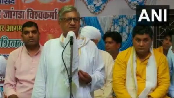 इसे भी पढ़ें-सभी मुस्लिम मूर्तिकार भगवान विश्वकर्मा के वंशज हैं: BJP सांसद रामचंद्र जांगड़ा