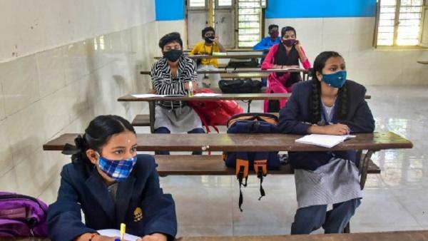 आंध्र प्रदेश: 2 सरकारी स्कूलों में 8 छात्रों समेत 10 लोग मिले कोरोना पॉजिटिव, हुई थी रैंडम टेस्टिंग
