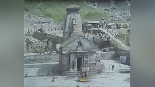 ड्रोन की मदद से CM पुष्कर सिंह धामी ने किया केदारनाथ धाम के पुनर्निर्माण कार्यों का निरीक्षण, दिए निर्देश