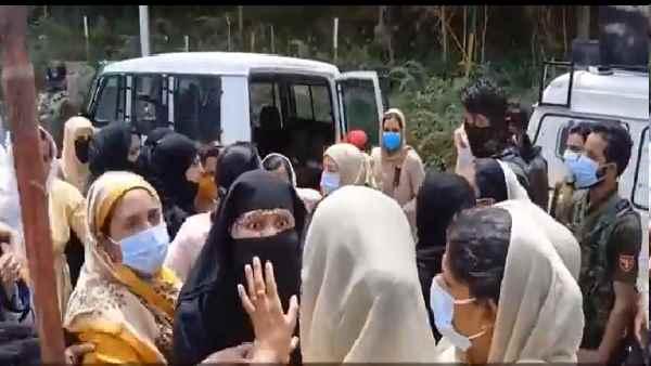 इसे भी पढ़ें- J&K: बुरी फंसी सैकड़ों पाकिस्तानी महिलाएं, इस वजह से मुल्क लौटना भी हुआ मुश्किल