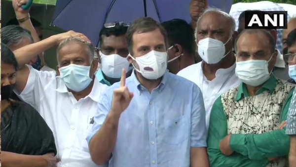 ये भी पढ़ें- राहुल गांधी की ब्रेकफास्ट मीटिंग 'AAP'-BSP ने बनाई दूरी, बिखरा-बिखरा दिखा विपक्ष
