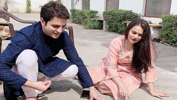 खत्म हुई हुई टीना डाबी-अतहर आमिर का लव स्टोरी, तलाक के बाद टीना ने लिखा, 'कुछ तो लोग कहेंगे..'