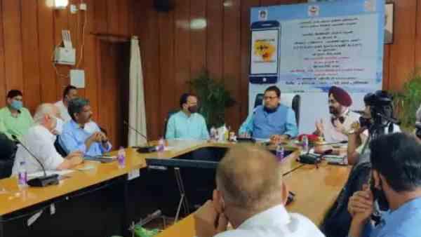 भूकंप आने से पहले इस ऐप की मदद से मिलेगी जानकारी, सीएम धामी ने किया लॉन्च |  Uttarakhand CM Pushkar Singh Dhami launches 'Uttarakhand Bhookamp Alert' app  - Hindi Oneindia