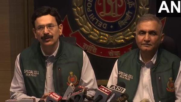 दिल्ली में पाकिस्तान के 6 आतंकी हुए गिरफ्तार, भारी मात्रा में गोला बारूद हुआ बरामद