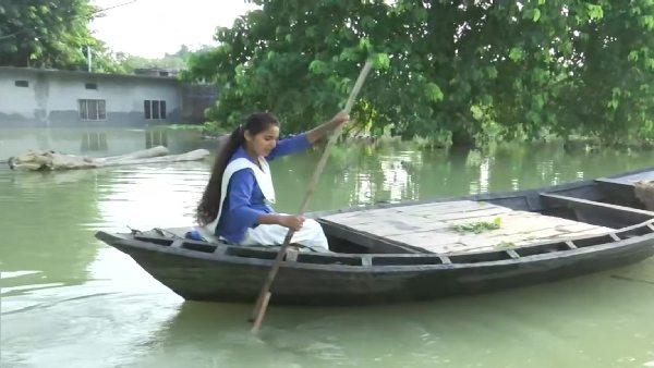 इसे भी पढ़ें- बाढ़ का पानी भी छात्रा के हौंसलों के आगे पस्त, नाव चलाकर स्कूल जा रही संध्या, राहुल गांधी ने की तारीफ