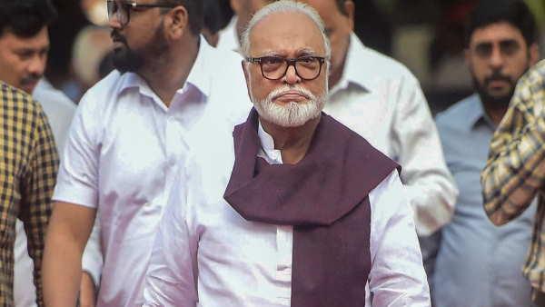 ये भी पढ़ें: महाराष्ट्र: मंत्री छगन भुजबल को सदन घोटाला मामले में बड़ी राहत, बेटे और भतीजे समेत हुए बरी