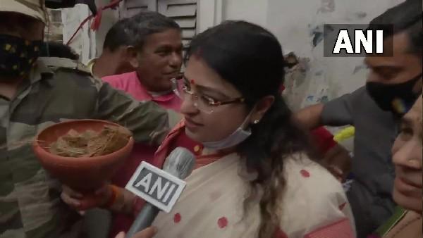 बंगाल उपचुनाव: भवानीपुर RO ने बीजेपी प्रत्याशी प्रियंका टिबरेवाल को भेजा नोटिस, रैलियों पर मांगा जवाब