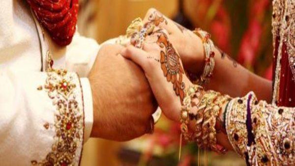 प्रेमी ने कमरे में 10 साल तक छुपाए रखी प्रेमिका, अब शादी पर खुला राज,