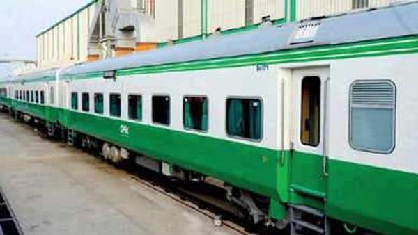 आधुनिक कोच फैक्ट्री रायबरेली ने तैयार किए 12 स्पेशल रेल कोच, भेजे जाएंगे अफ्रीकी देश मोजांबिक