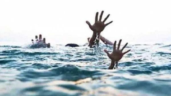 मिर्जापुर में बड़ा हादसा, गंगा नदी में नाव पलटी, एक ही परिवार 6 लोग डूबे