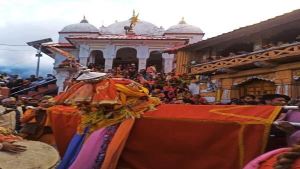 ये भी पढ़ें-उत्तराखंड: क्यों मनाया जाता है सेलकू पर्व, जहां होता है डोलियों का नृत्य और सोमेश्वर देवता की पूजा