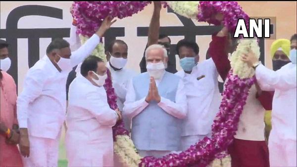 इसे भी पढ़ें-अमेरिका से लौटे PM मोदी का पालम एयरपोर्ट पर भव्य स्वागत, जेपी नड्डा बोले- दुनिया में भारत का कद बढ़ा है