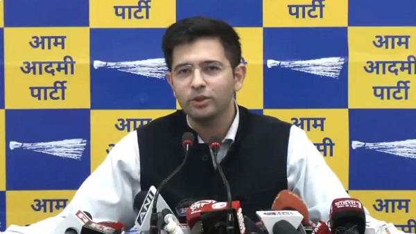 AAP नेता राघव चड्ढा ने सिद्धू को बताया 'पंजाब की राजनीति का राखी सावंत', कहा- वो कैप्टन पर फिर हमला बोलेंगे