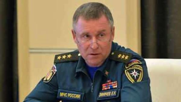 आर्कटिक में कैमरामैन को बचाने पानी में कूदे रूस के आपातकालीन मंत्री, मौत